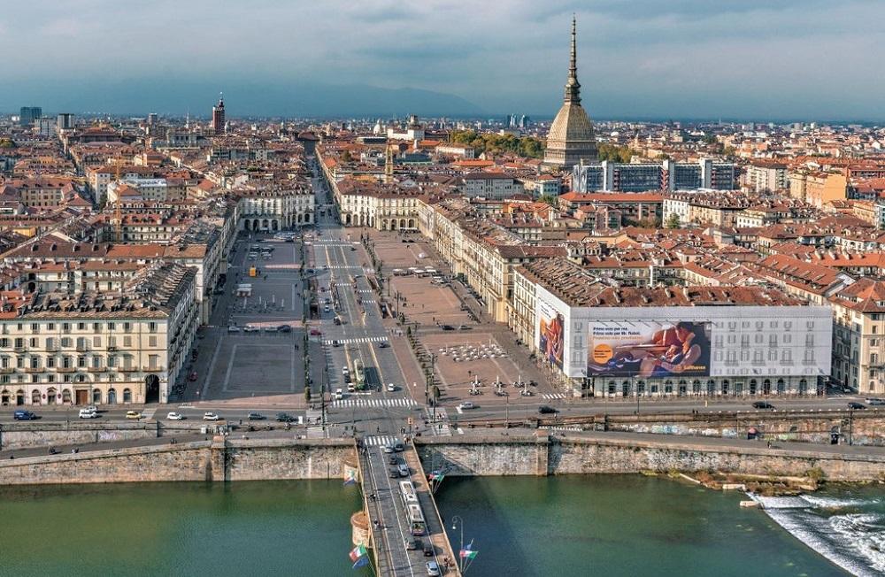 Torino a camera 70 anni d 39 italia raccontati dalle foto di - Il mercato della piastrella moncalieri orari ...