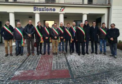 TRASPORTI – Flash mob dei sindaci per la Sfm1, presenti Trofarello e Moncalieri